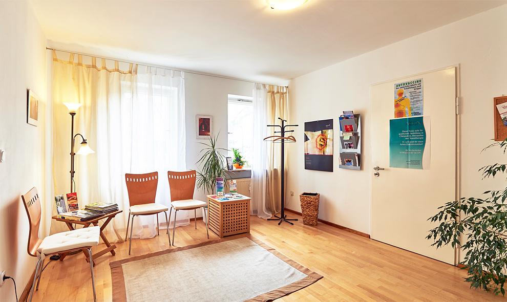 Wartezimmer der Praxis für Hypnose und Psychotherapie Nürnberg